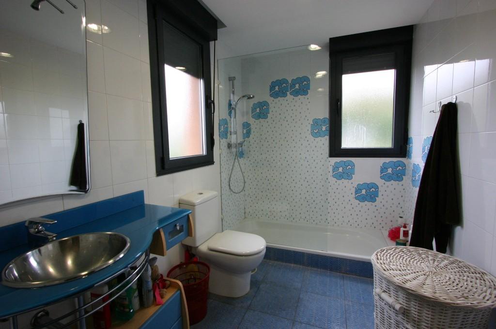 baño casa huerces agencia la playa